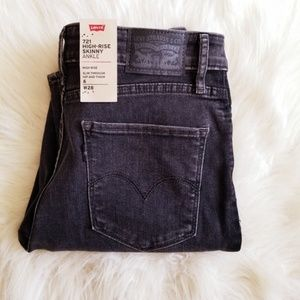 Levi's 721 High Rise Skinny Ankle Black Jeans